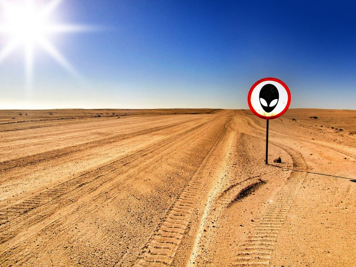 2 Youtube vloggers opgepakt voor betreden Area 51