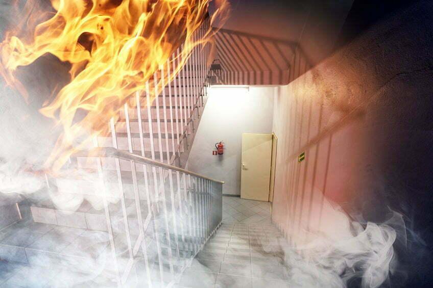 kinderen springen brand frankrijk