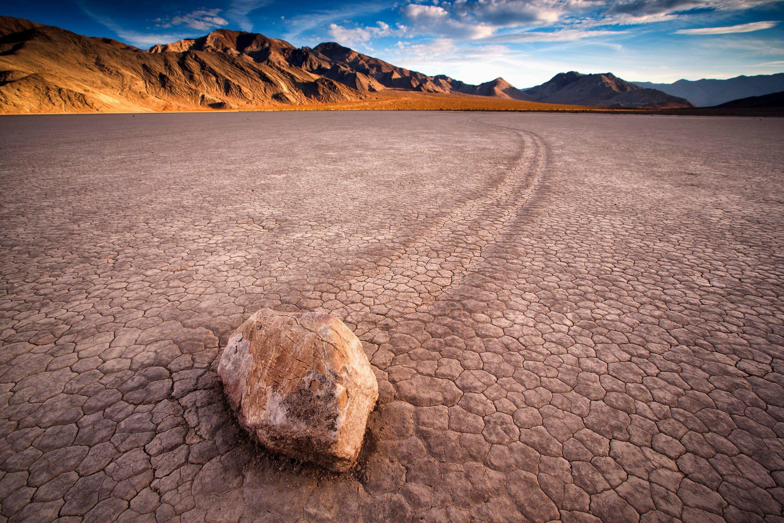 Het geheim van de bewegende stenen in Death Valley