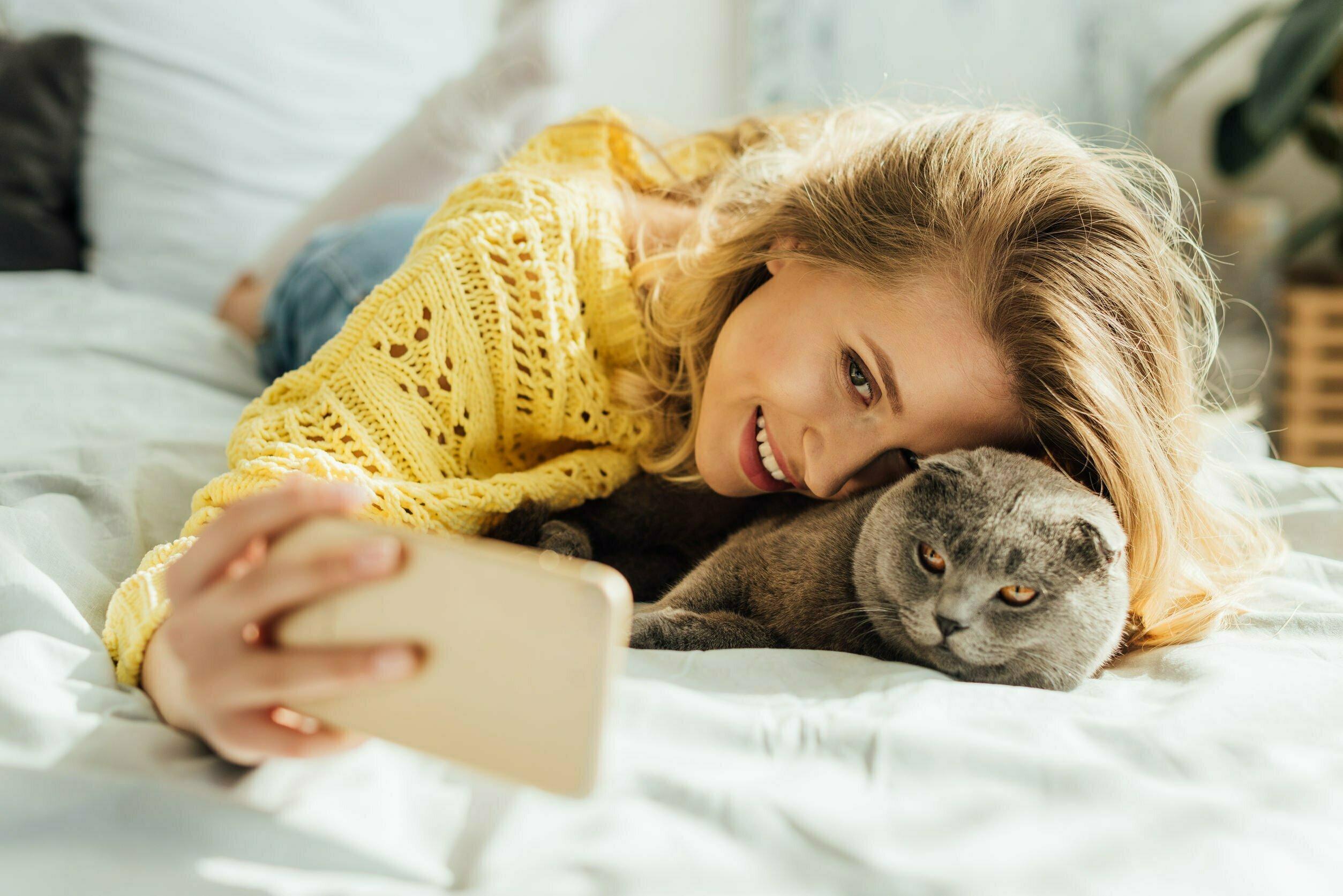 Liever met je kat dan met je schat op de foto
